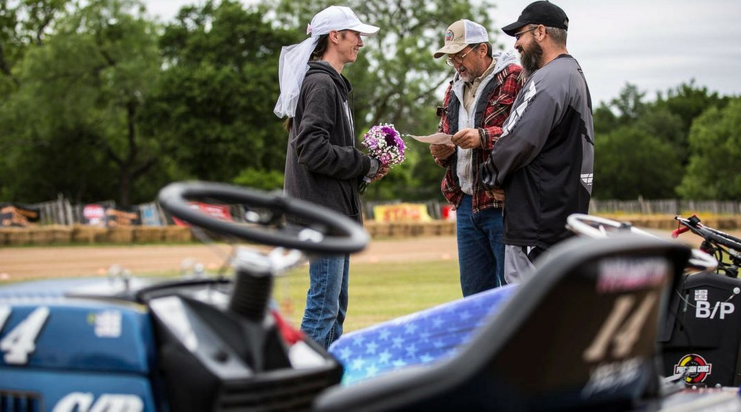 Love to Mow, Mow to Love: Racers Wed at Mike Cupp Memorial Lawn Mower Race